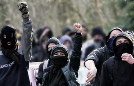 Antifa maskiert